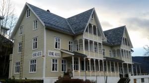 Visnes Hotell Stryn, nytt skifertak